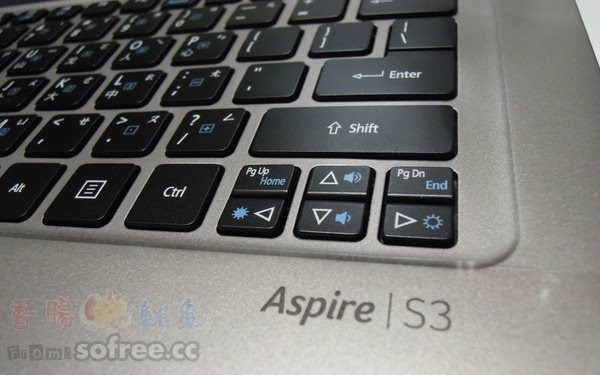 [開箱]ACER S3-391 13吋輕薄型筆電(Ultrabook)