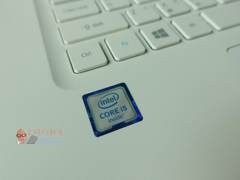 [開箱]Acer V3-372 白色輕薄筆電,高CP值速度快攜帶出門不負擔