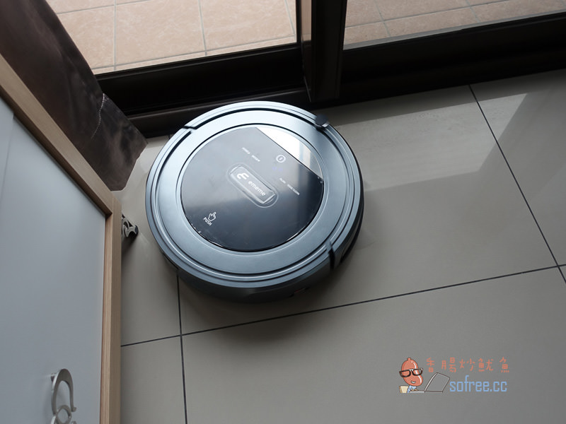 開箱| ememe SHELL 200 掃地吸塵機器人,弓字規劃清掃50坪超簡單